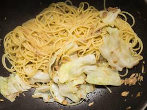 和風鮪魚高麗菜義大利麵
