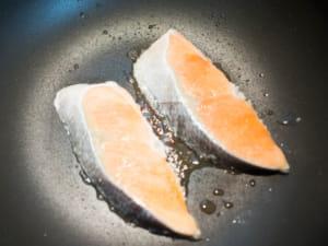 红味噌香煎鲑鱼