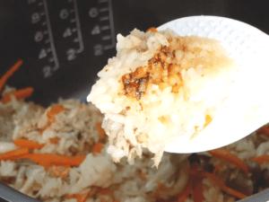 小資電子鍋料理|日式鮪魚菇炊飯