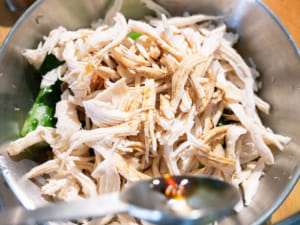 雞絲黃瓜拌梅肉
