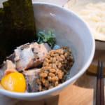 山形鯖魚納豆烏龍麵|ひっぱりうどん