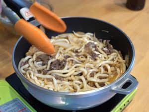 用COSTCO好市多日式燒肉醬做炒烏龍麵