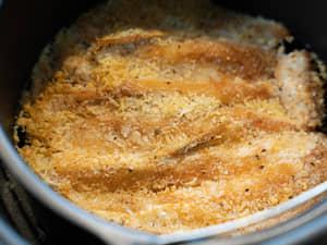 氣炸鍋做健康偽炸物|鮭魚酥烤麵包粉