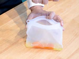 最環保的一袋到底,拿坡里番茄義大利麵|LocknLock樂扣樂扣N次矽膠密封袋