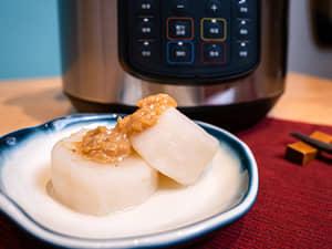 20分鐘做出吸飽湯汁的燉煮蘿蔔佐味噌|美國人的國民鍋IP音速鍋