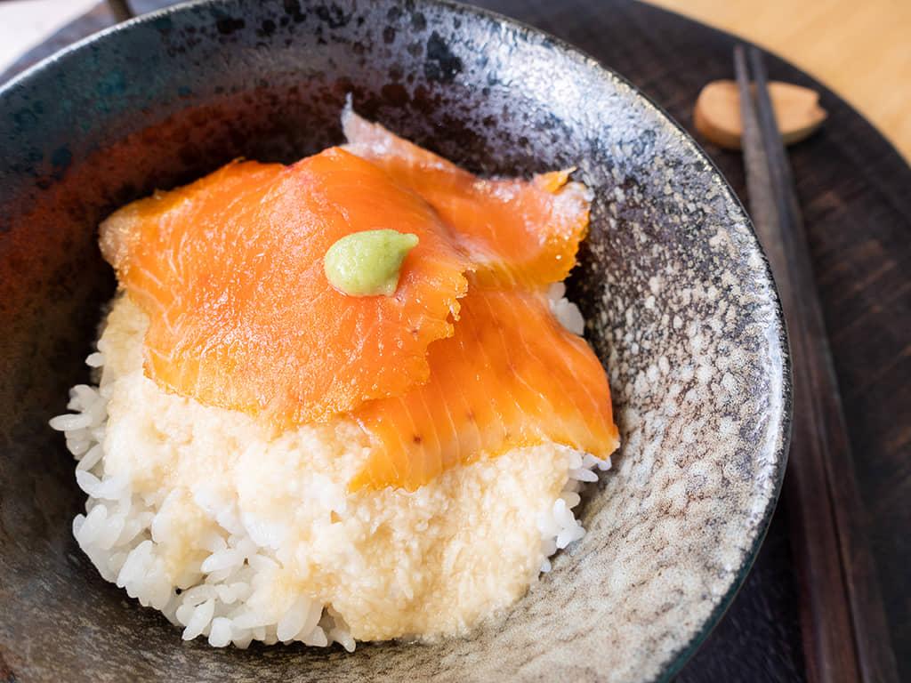 鮭魚山藥泥丼飯|紐西蘭庫克山帝王鮭