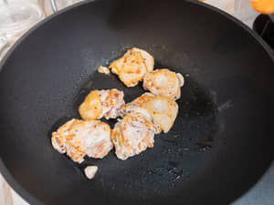 茄汁煮雞腿肉 用氣泡水煮更軟嫩