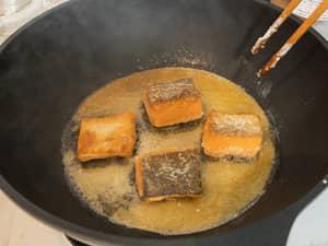 鮭魚南蠻漬,酸酸甜甜的好開胃|紐西蘭庫克山帝王鮭