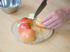 法國鄉間傳統經典美食,Far Breton蘋果布列塔尼蛋糕做法