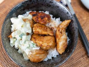 酸甜醬燒雞肉丼,佐塔塔醬