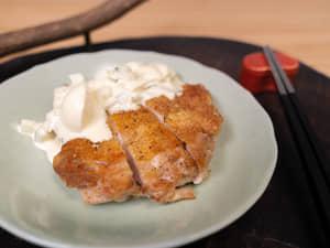 脆皮雞腿排佐塔塔醬